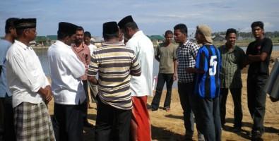 Warga Alue Naga Hentikan Pembangunan Drainase