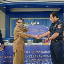 Pemko Banda Aceh Terima Bawang Hibah 7,6 Ton dari Bea Cukai Langsa